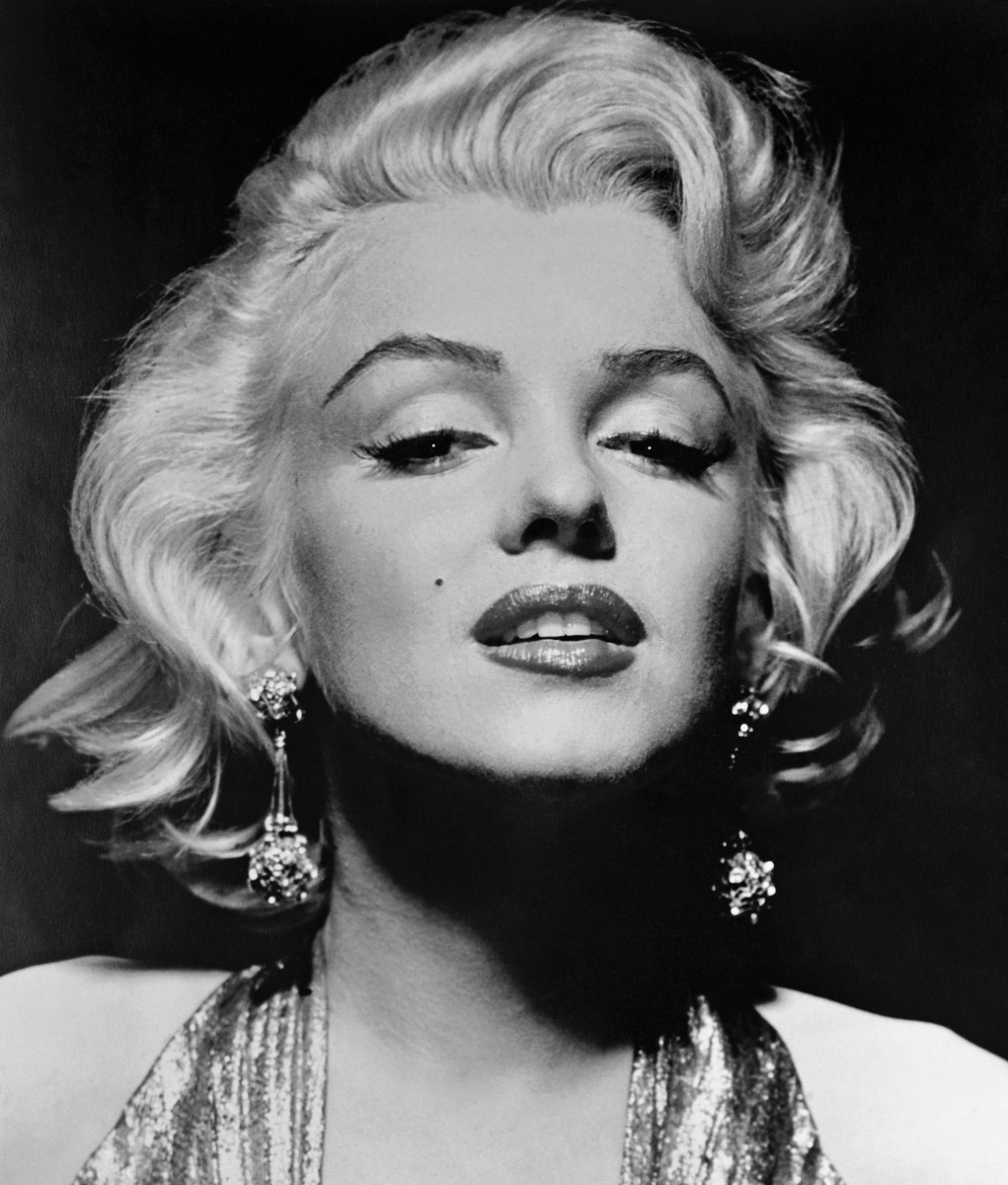 hollywoods-most-glamorous-beauties-and-their-tragic-lives