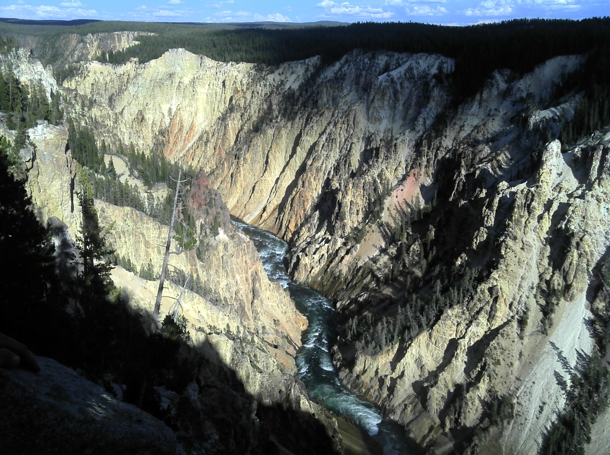 a-guide-to-the-secrets-of-yellowstone
