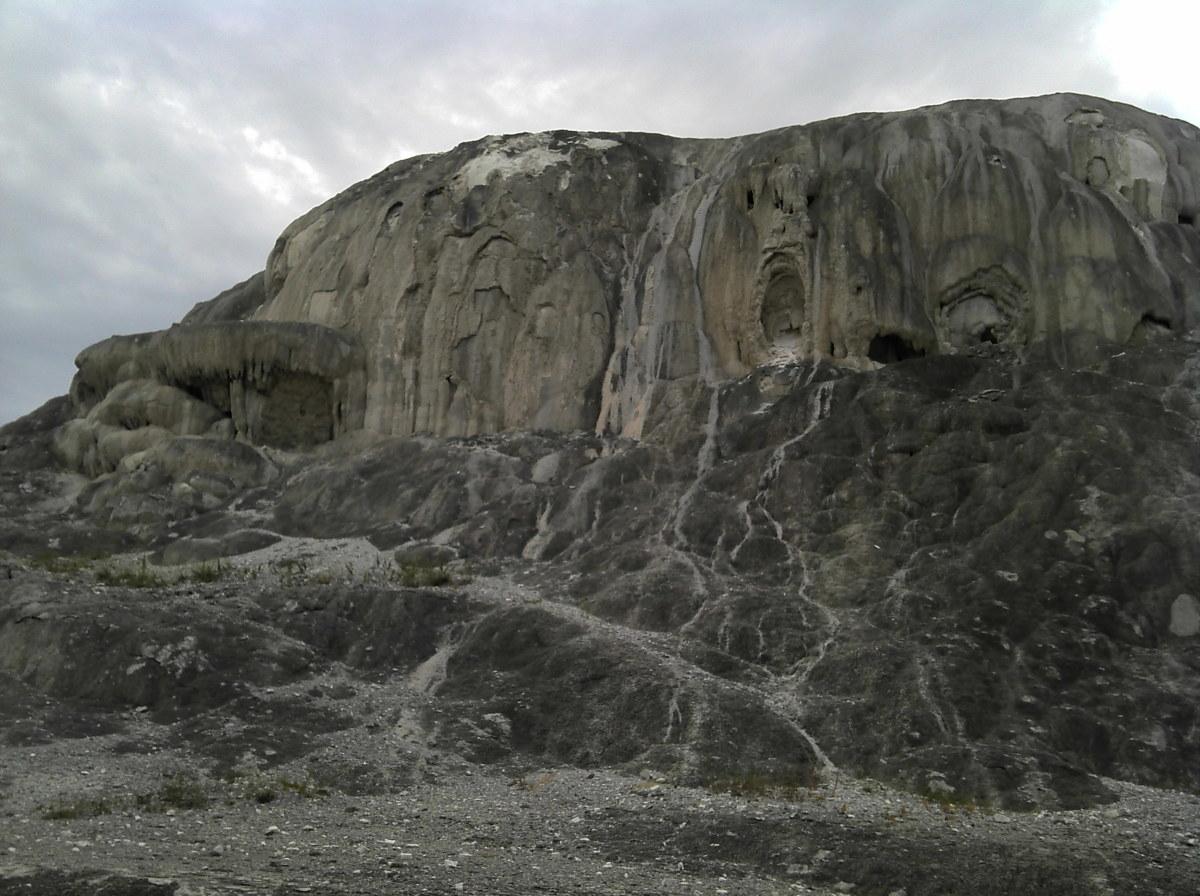 Travertine: Mammoth Hot Springs