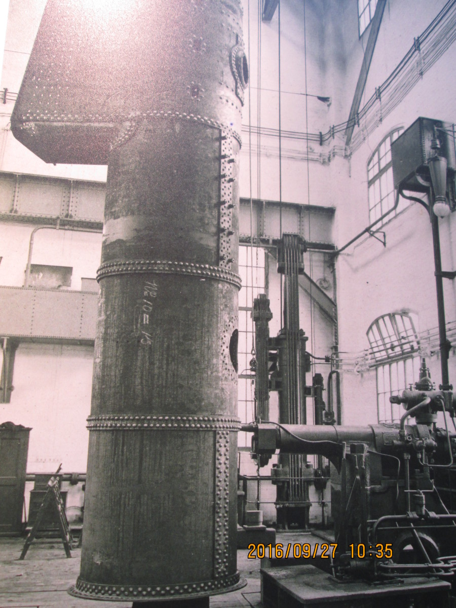 The automatic riveter, a part of the loco boiler plant at North Road, Darlington that reduced the necessary workforce, at the same time increasing output at a time when motive power was needed for the variety of traffic that built up to the Thirties