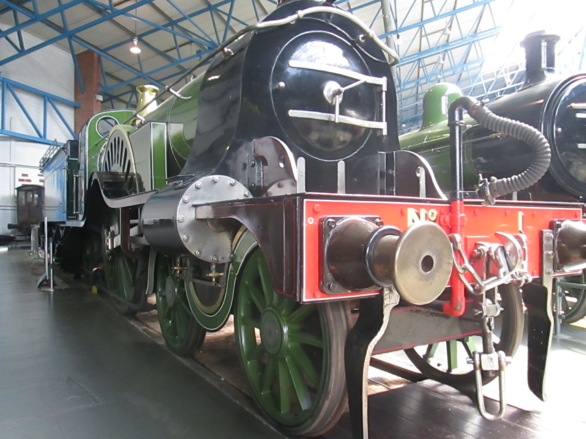 Patrick Stirling-designed single driver (4-2-2) express locomotive for the Great Northern Railway. Adequate for when carriages were short four-wheelers, hopeless for heavier traffic. A short-sighted - if handsome - investment in capital equipment