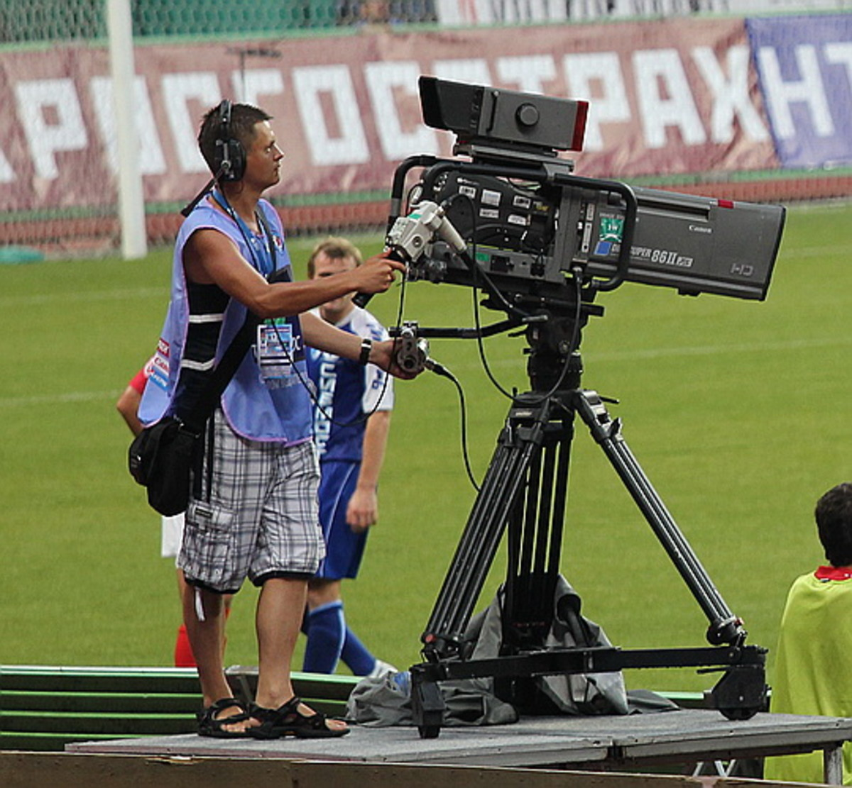 the-medias-influence-on-football