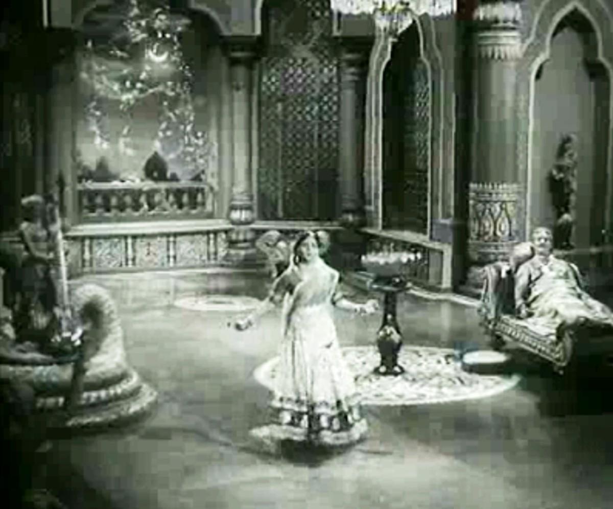 A mesmerising song in Bhairavi Raag by Lata Mangeshkar