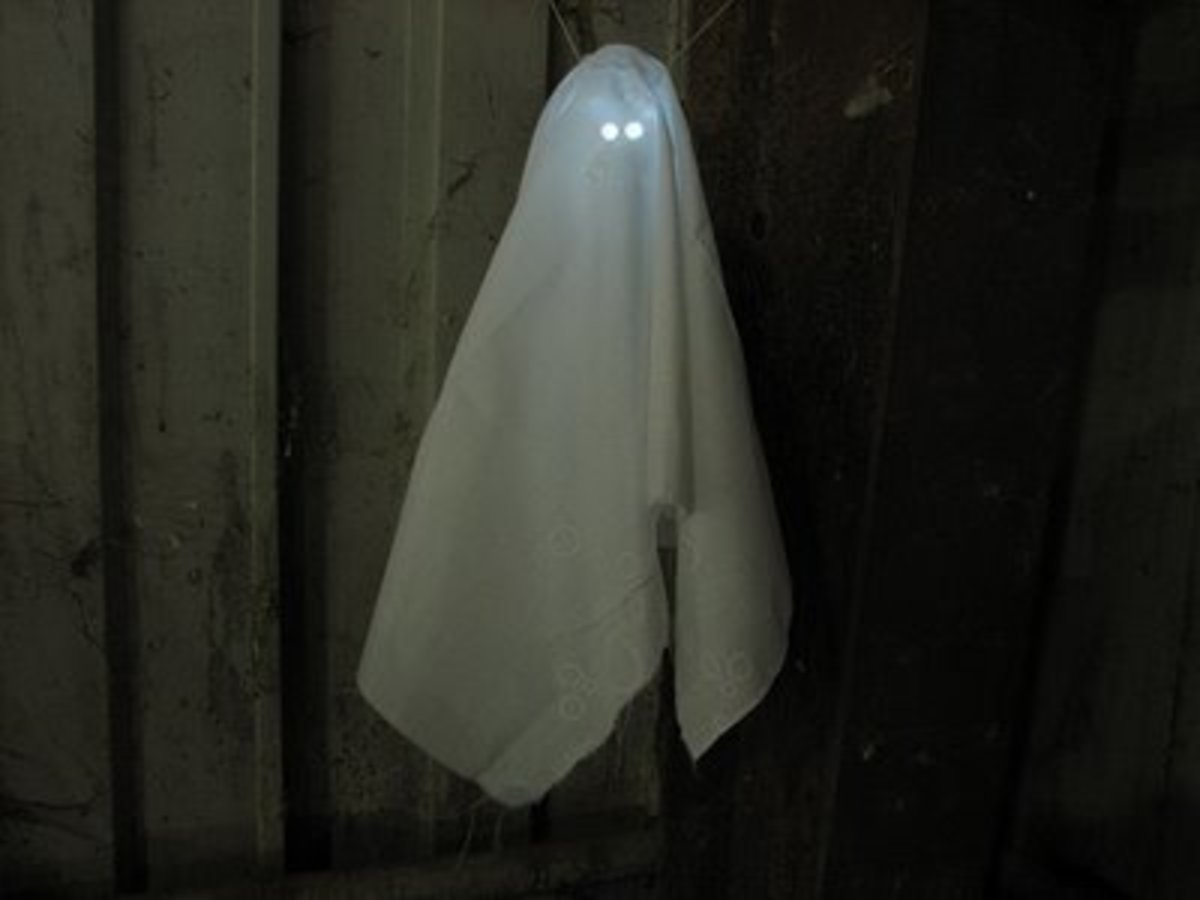 halloween-decorations-seven-scary-do-it-yourself-diy-crafts