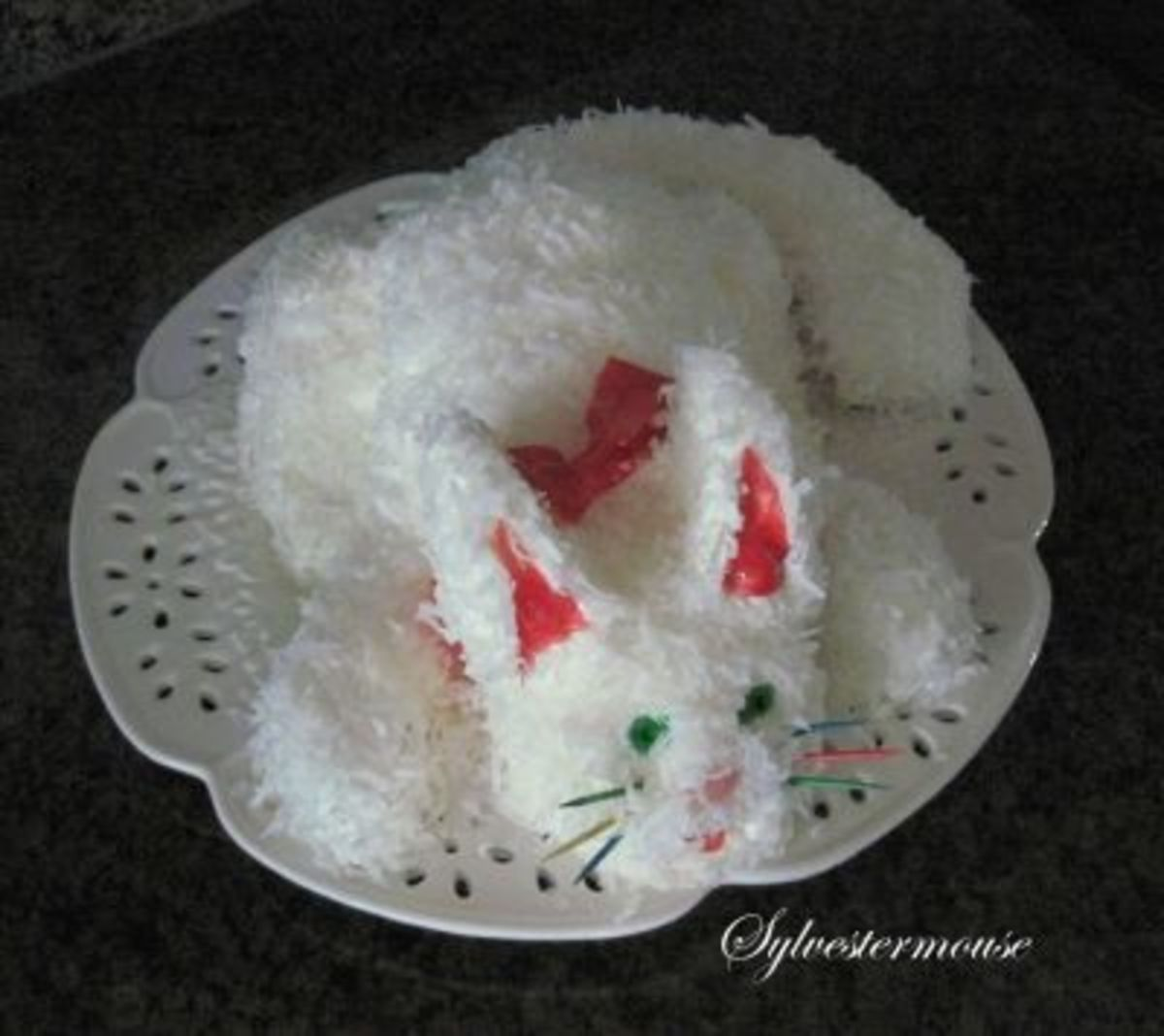 Kitty Cat Cake ~ With Green Eyes