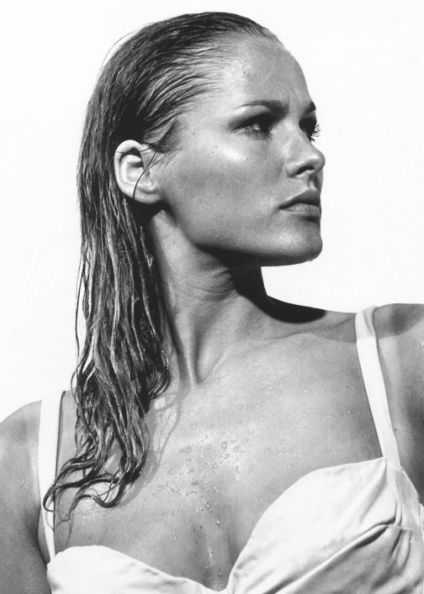 Ursula Andress: James Bond  Actress