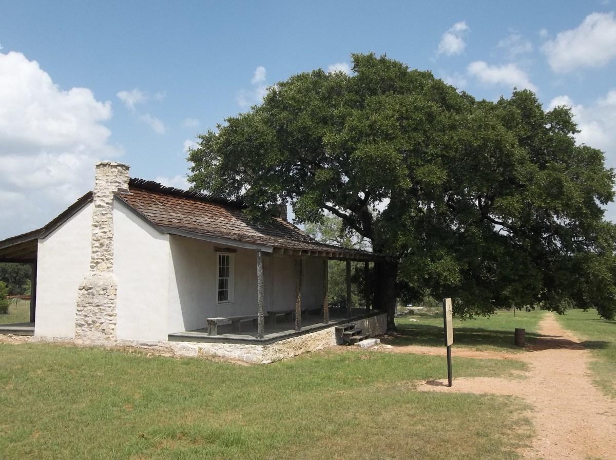 Fort Martin Scott: Officer's Row.