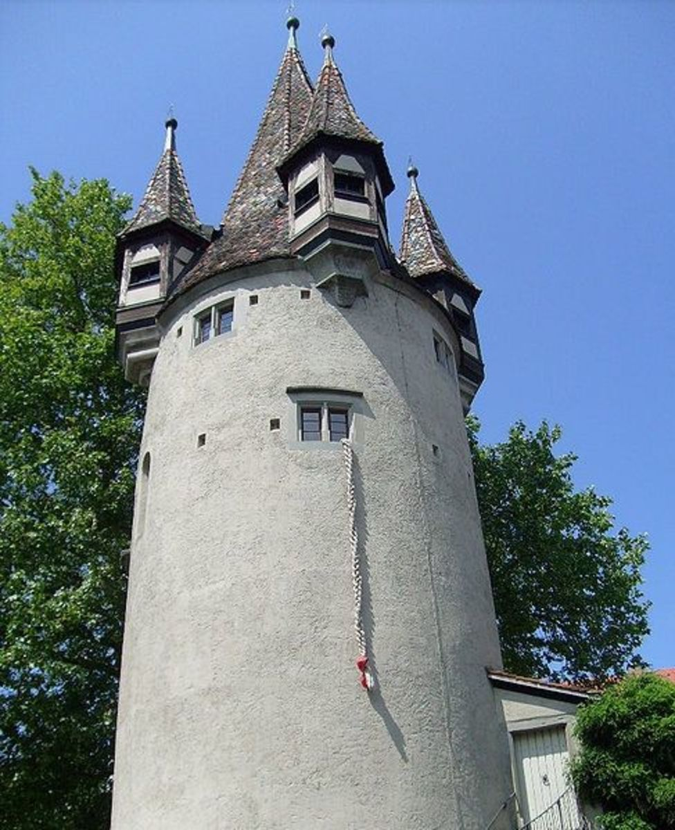 The presentation of tower with Rapunzel in theme park
