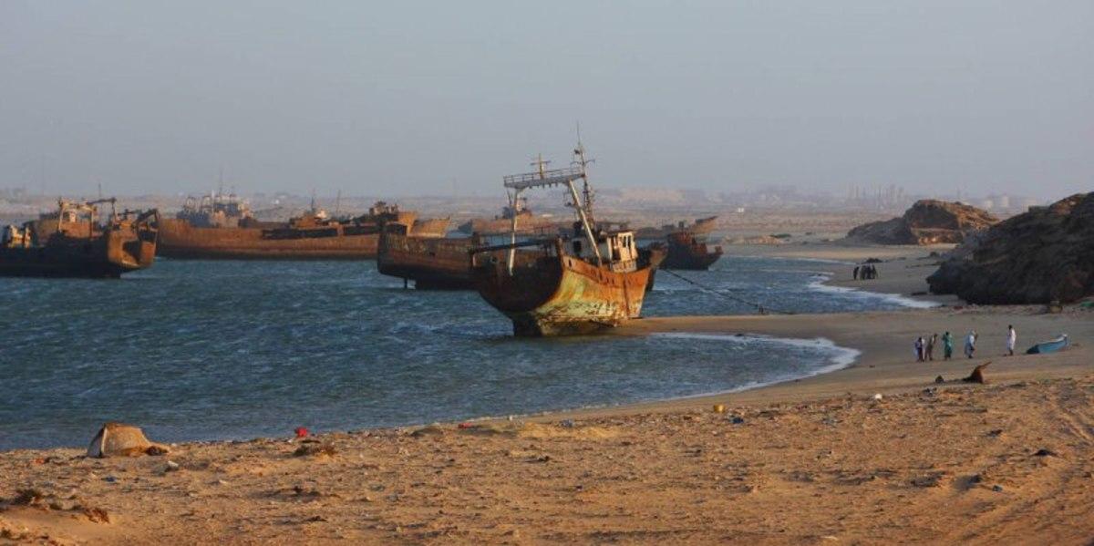 ship-cemetery-graveyards-bone-yards-junk-yards-ships-sent-to-die-images-information