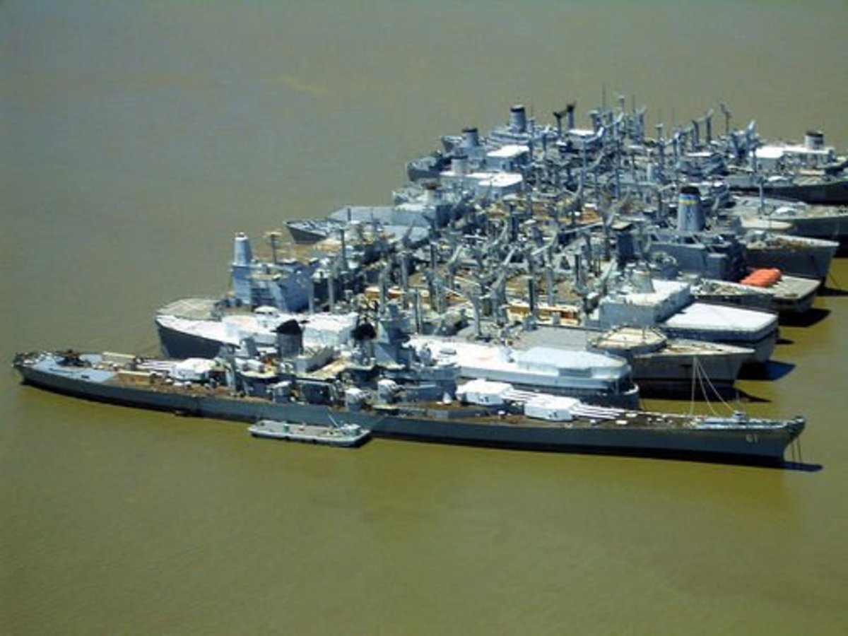 USS Iowa & Mothballed Fleet