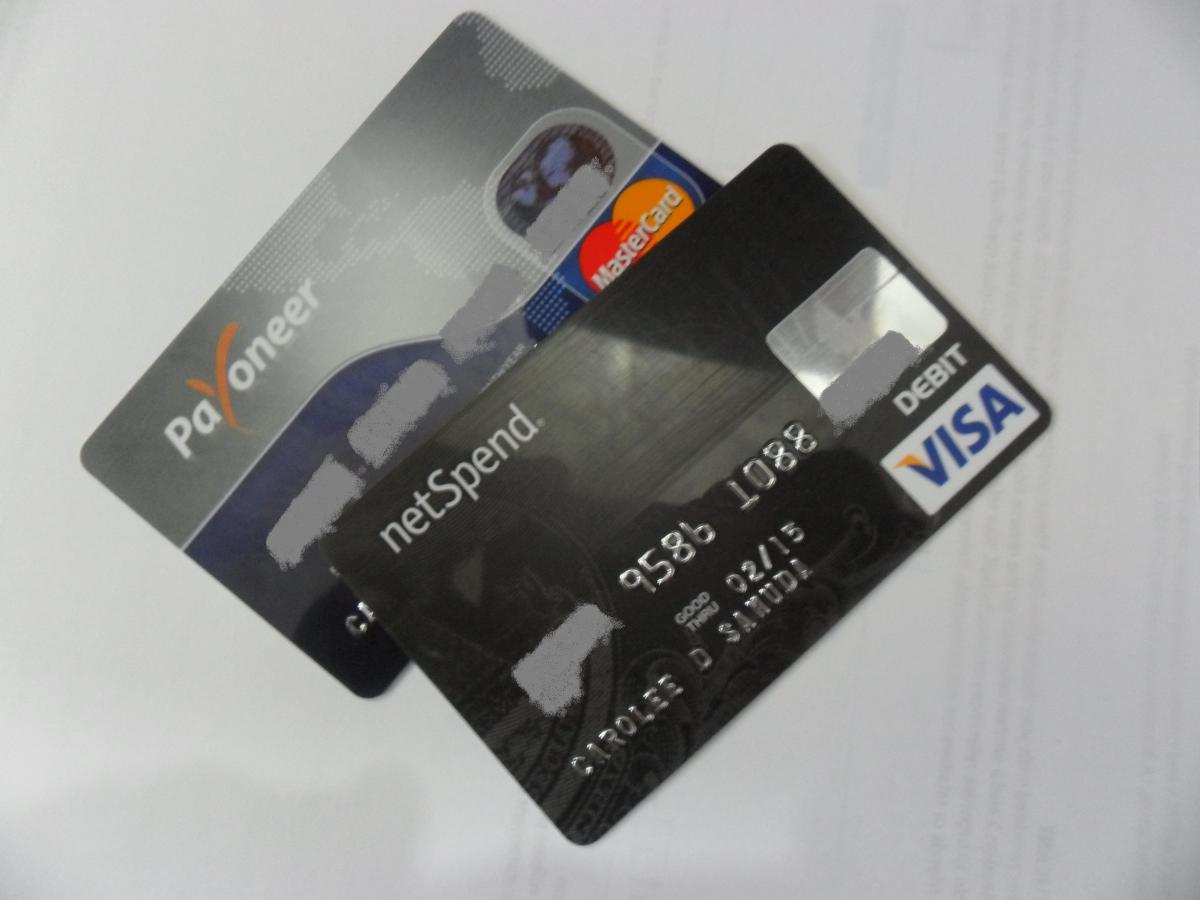 Prepaid Cards: Advantages and Disadvantages