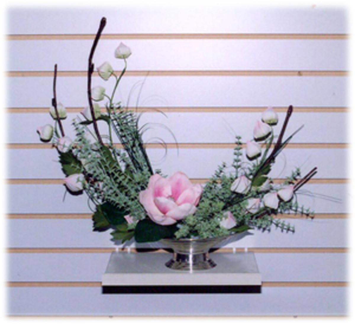 Flower Arrangement C shape ( crescent )