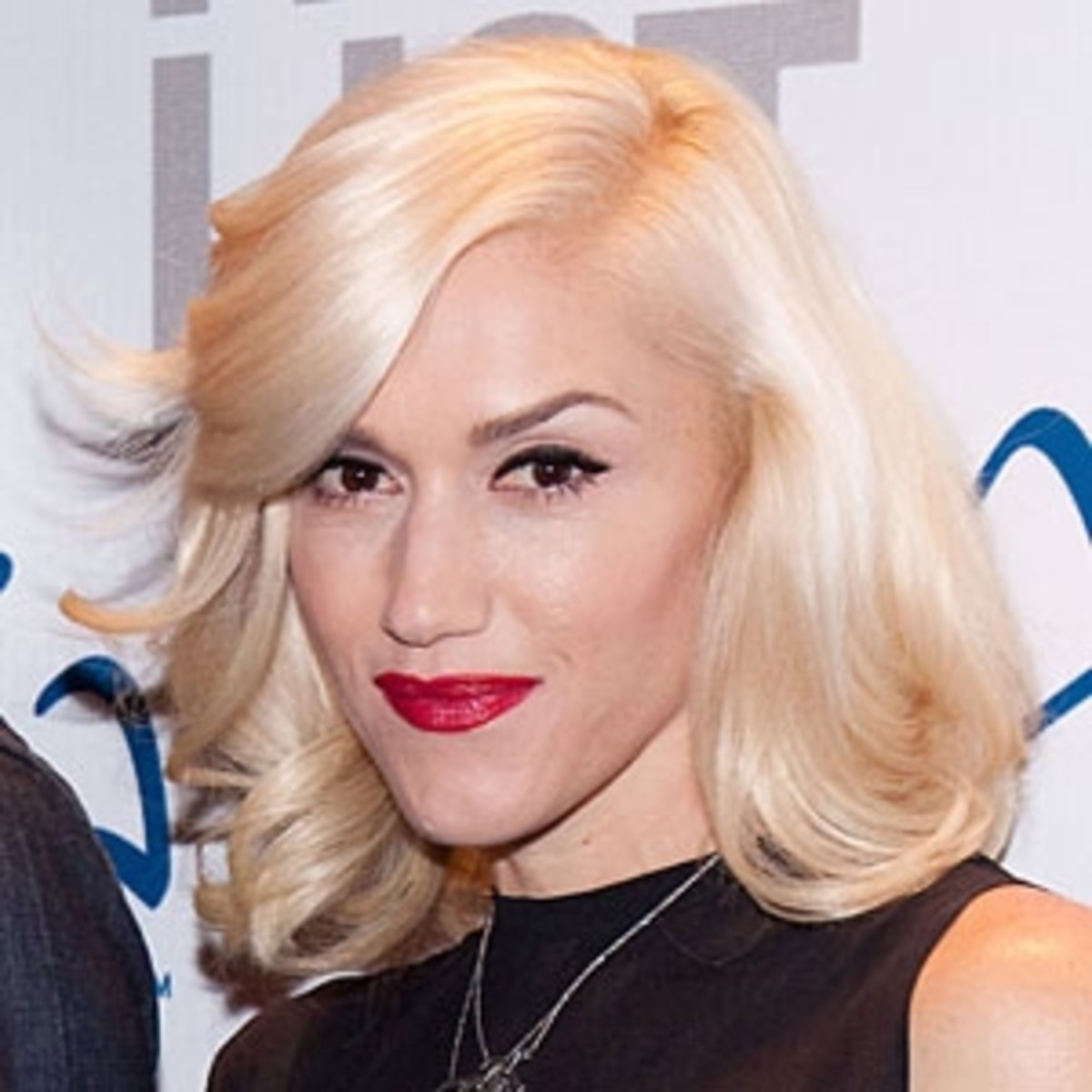 Gwen Stefani with White Blonde Hair