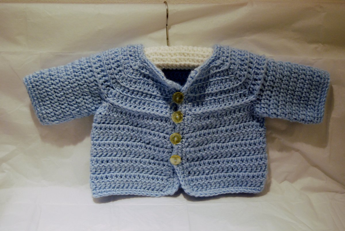 Cute Boys cardigan crochet pattern (c) http://www.crochet-patterns-free.com/