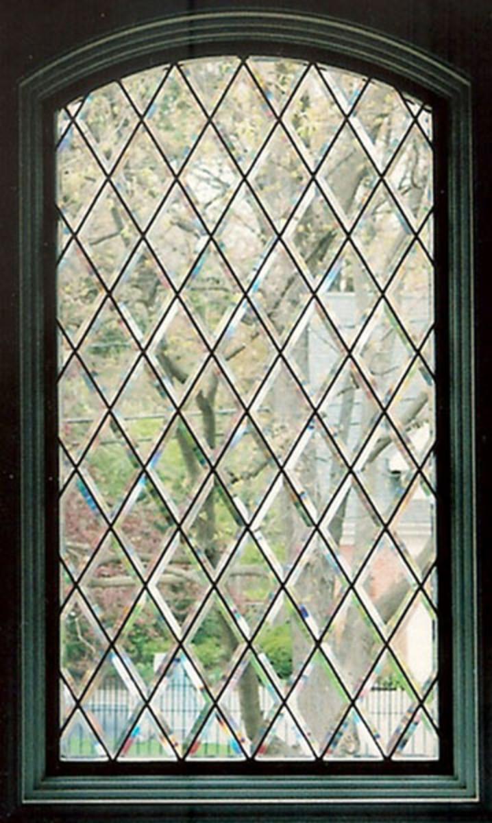 Diamond patterned leaded glass