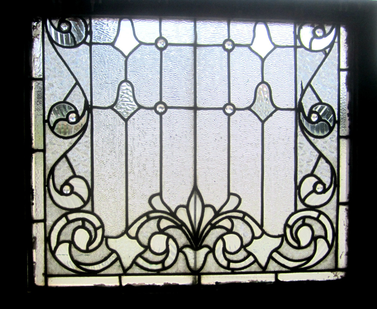 completely colorless leaded glass window