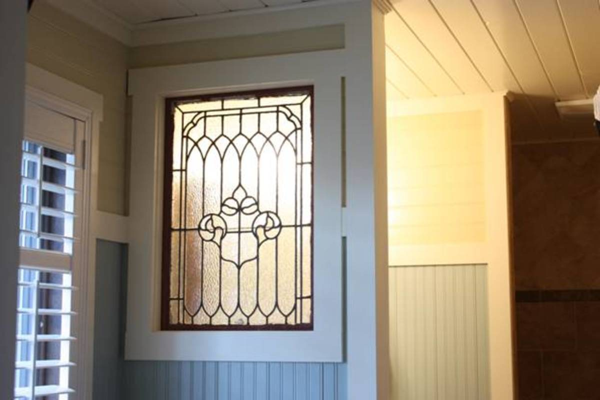 Single leaded glass window makes a big style statement