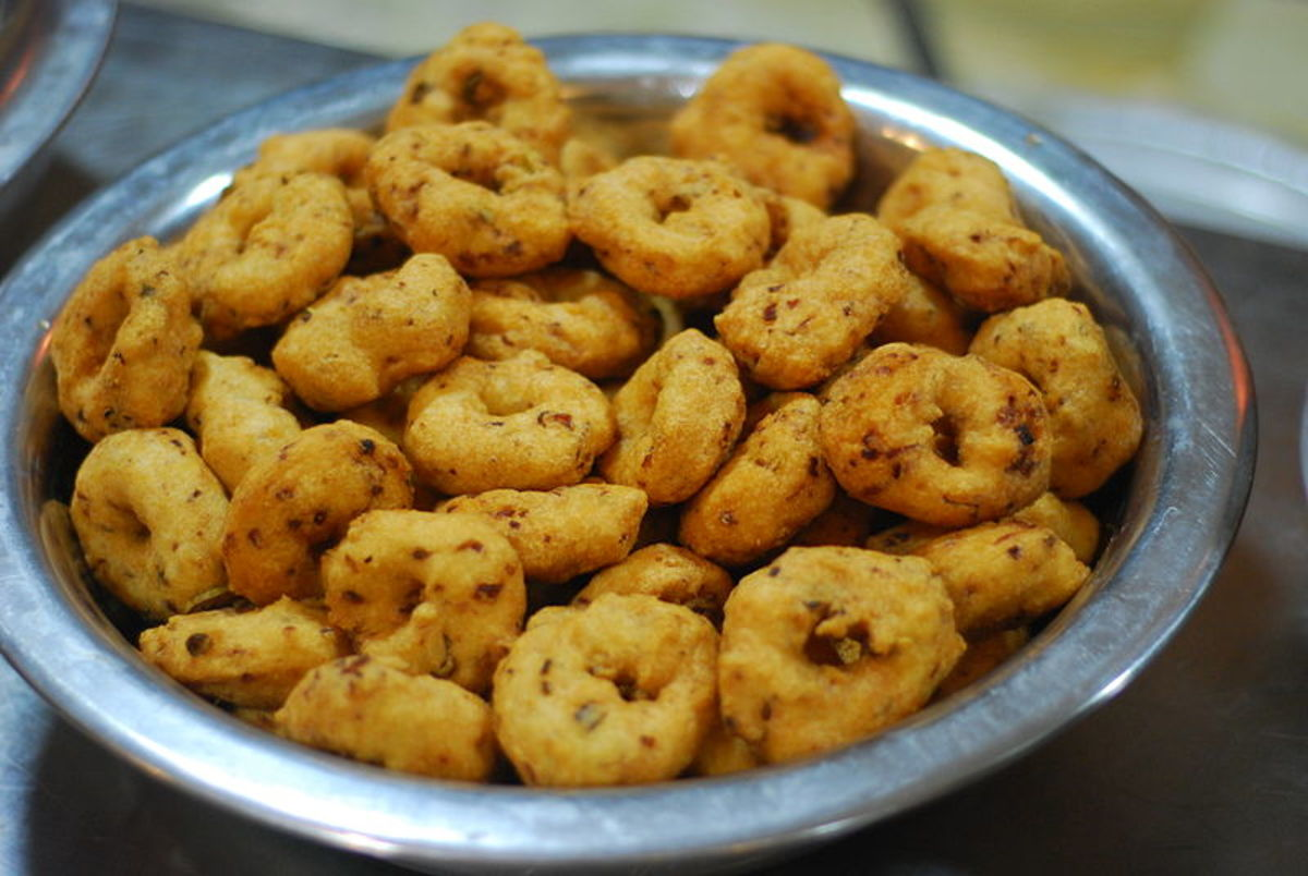 South Indian popular savory doughnut-like snacks