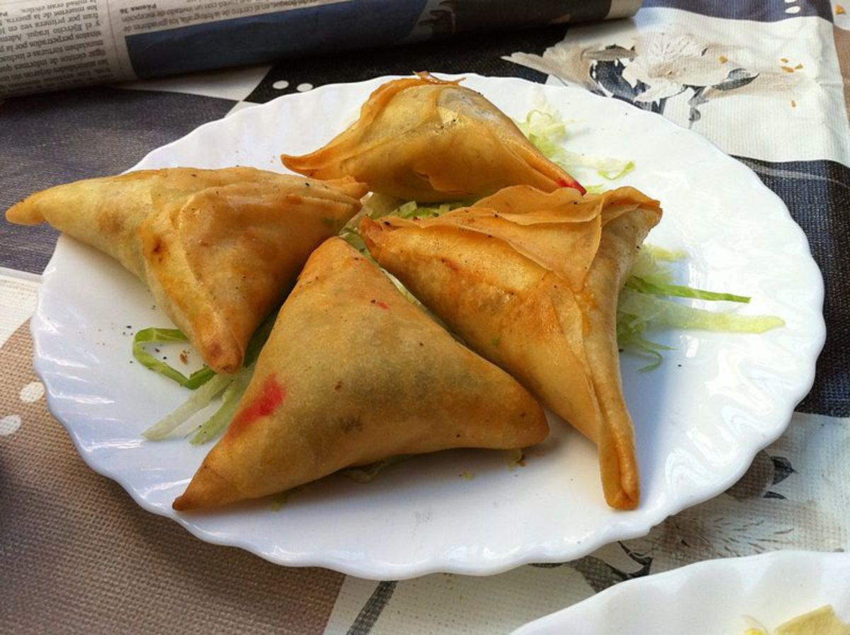 Crunchy deep-fried fritters with vegetables- filling