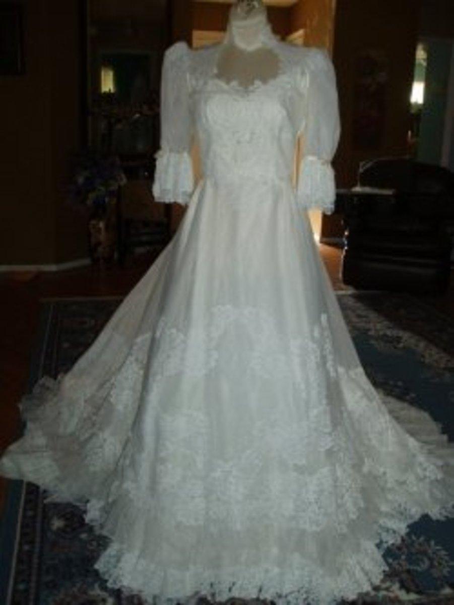 Wedding Dresses-Vintage Wedding Dresses are Simply Elegant