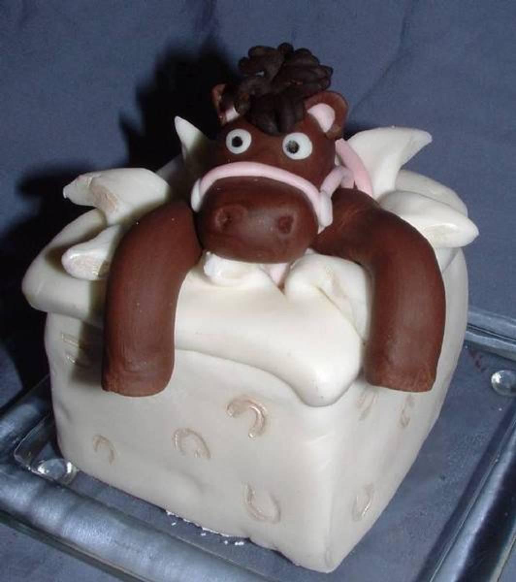 Super cute horse cake