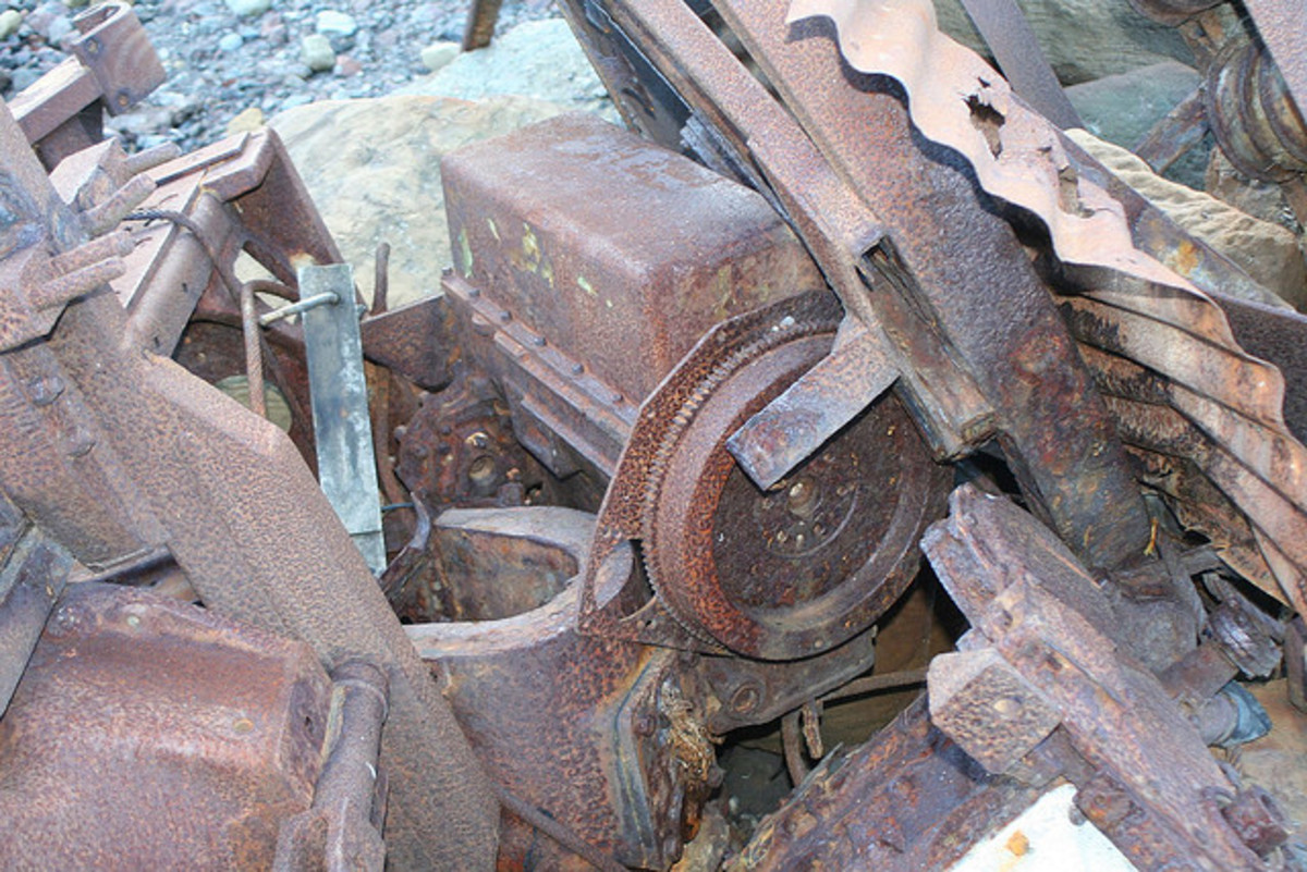 Abandoned harbour machinery gear at Port Mulgrave in 2007 - a tunnel linked the port installation with Grinkle mine a short way inland