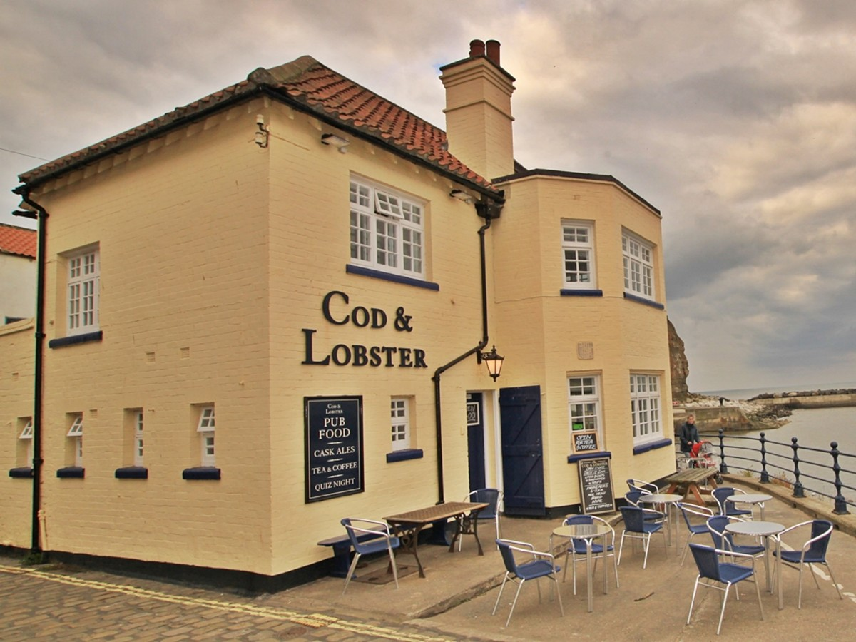 Cod & Lobster Inn on the seafront at Staithes