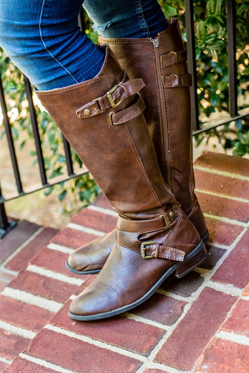 Knee-high boots are one of the most flattering styles.