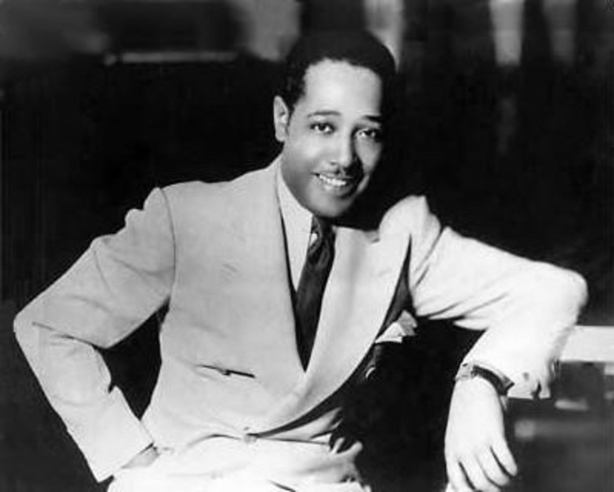 Duke Ellington:  Notice the elegant broad lapels