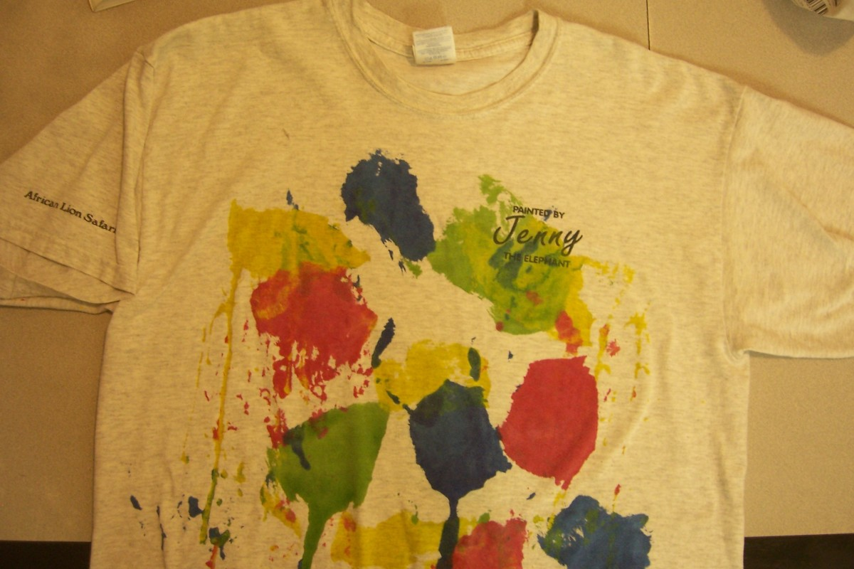 "T-Shirt painted by elephant ""Jenny"""
