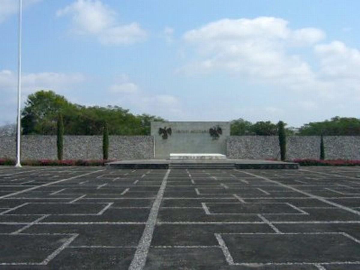 Mausoleum Camarón de Tejeda , Mausoleum dedicated to the fallen soldiers at the Battle of Camarón.
