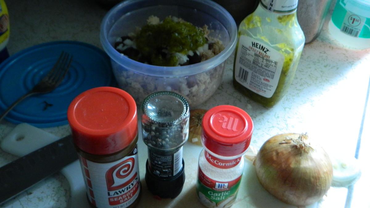 extra-special-tuna-salad-on-romaine-hearts