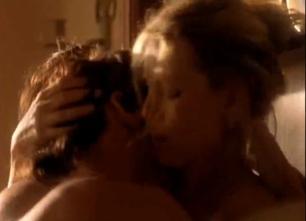 Sex Scene in Tempted Movie with Saffron Burrows and Peter Facinelli as Lilly LeBlanc and Jimmy