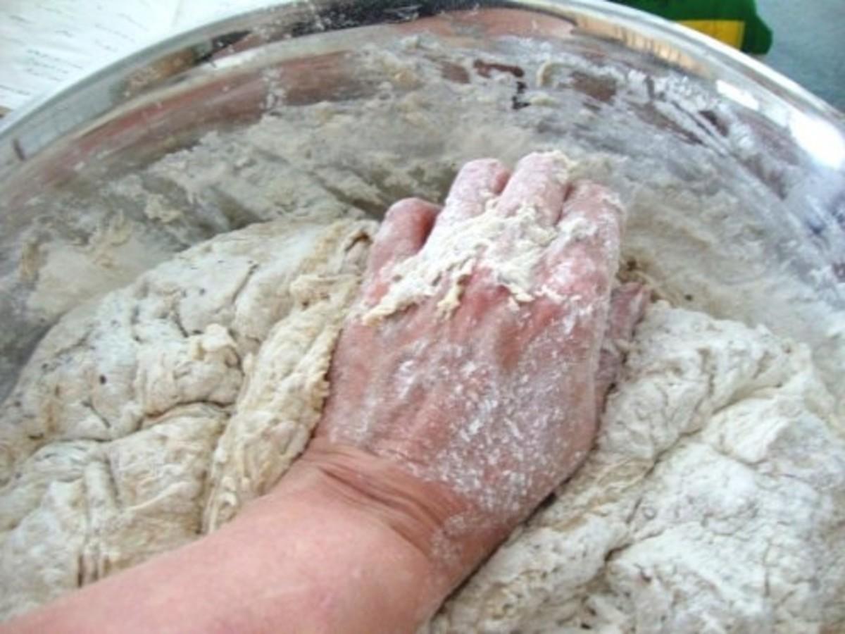Heeling bread dough