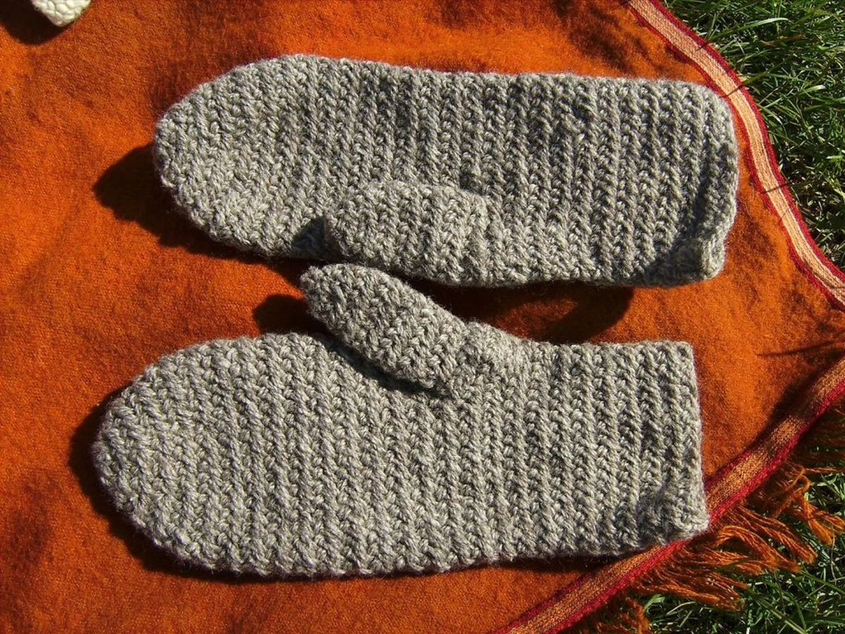 Photo: Sturdy Naalbinded Mittens