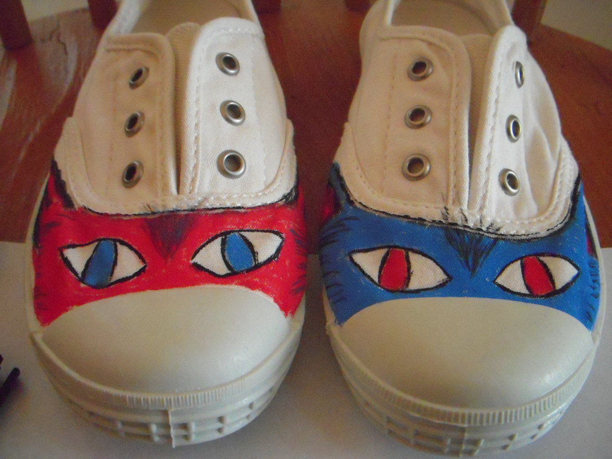 Easy decorated shoes using chalk markers.