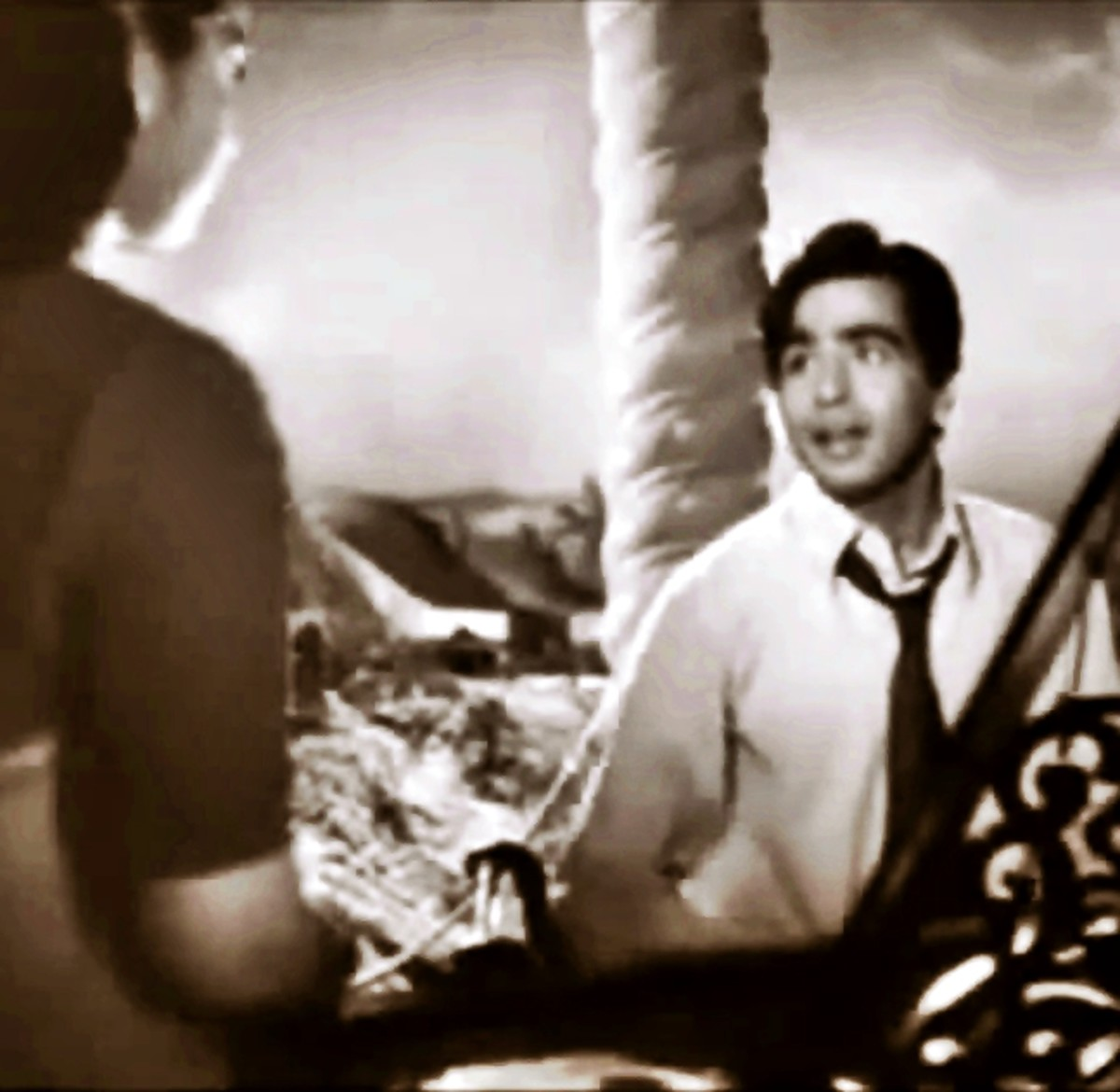 Dilip Kumar in BABUL - One of the greatest ever duet song of Bollywood by Shamshad Begum with Talat Mehmood