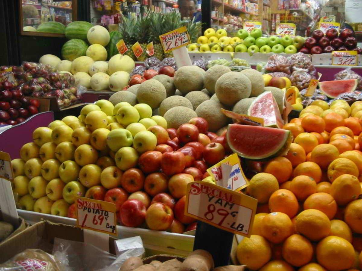 Fruit markets via Wikimedia Common