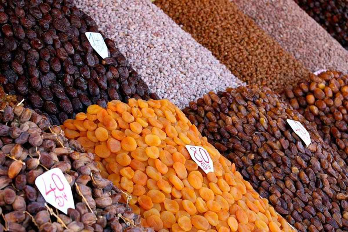 Dates| Dried fruit markets | Mixed nutsApricots