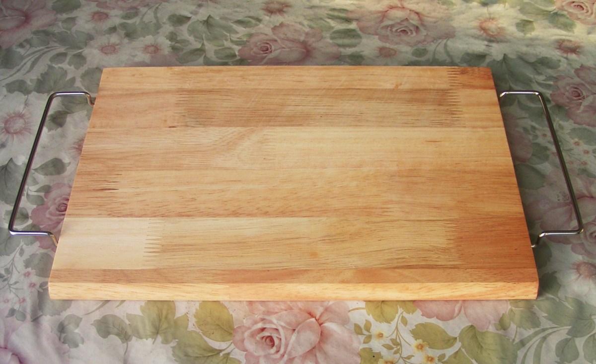 poison-in-plastic-cutting-board