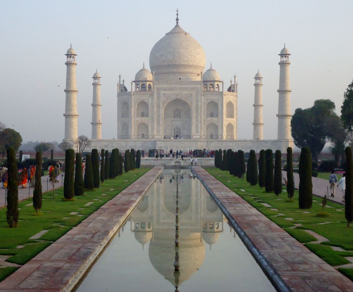 Taj Mahal picture (symmetry)
