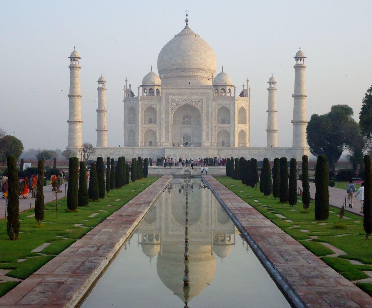 Taj Mahal picture (symmetry)