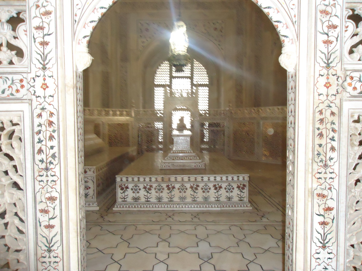 The tomb inside the Taj Mahal