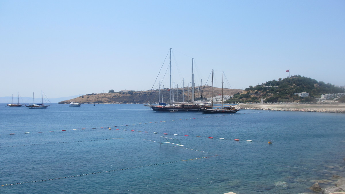 a-guide-to-the-bodrum-peninsula-in-turkey-by-motorbike-scooter
