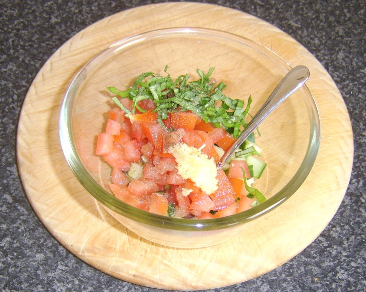 Preparing simple salsa