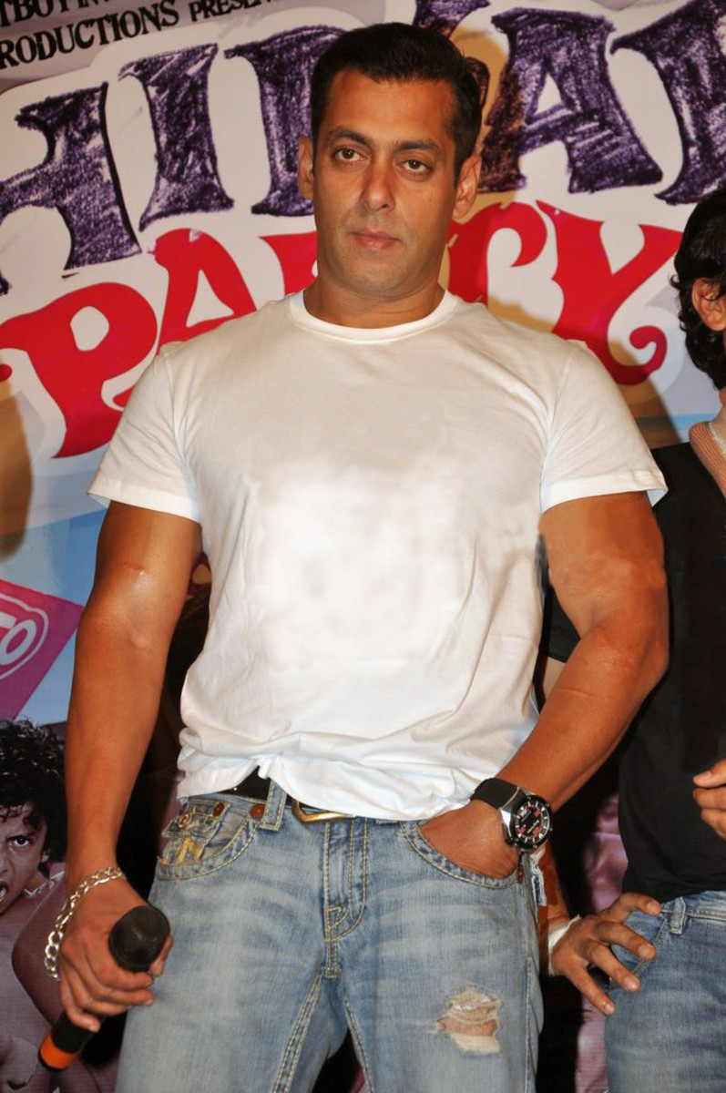 Salman Khan at an event for the film Chillar Party (2011), CC-BY-SA-3.0