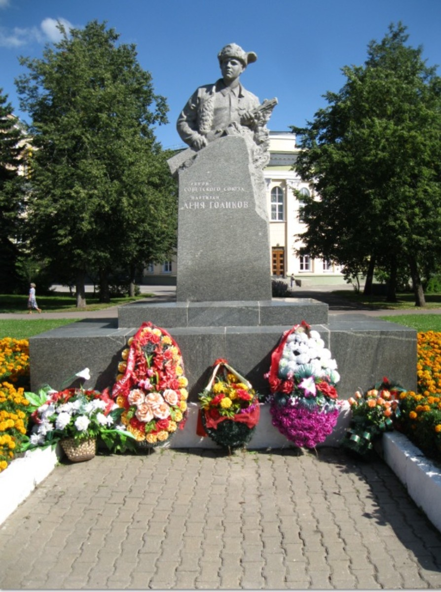 Statute of Leonid Golikov in nearby Veliky Novgorod, Russia.  Golikov was a teenage partisan who fought in NE Russia near Leningrad.