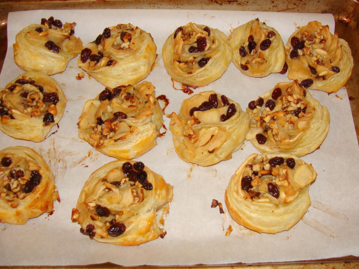 how-to-make-cinnamon-swirls-or-apple-raisin-and-cinnamon-swirls-a-cheats-method