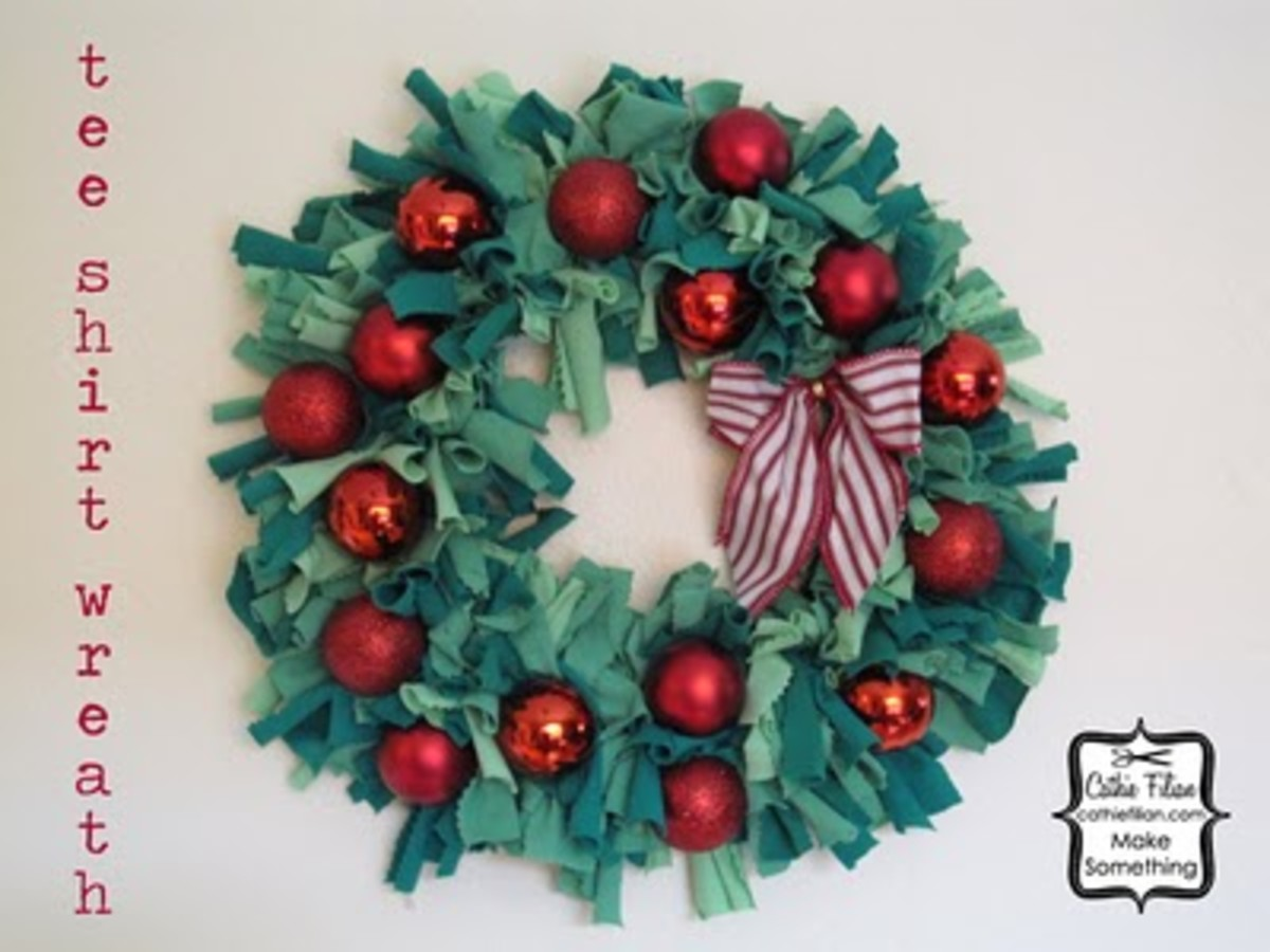 craft-dyed-t-shirt-strips-christmas-wreath