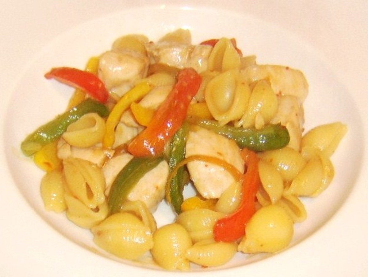 Conchiglie pasta, chicken breast and mixed peppers in a sweet chilli sauce